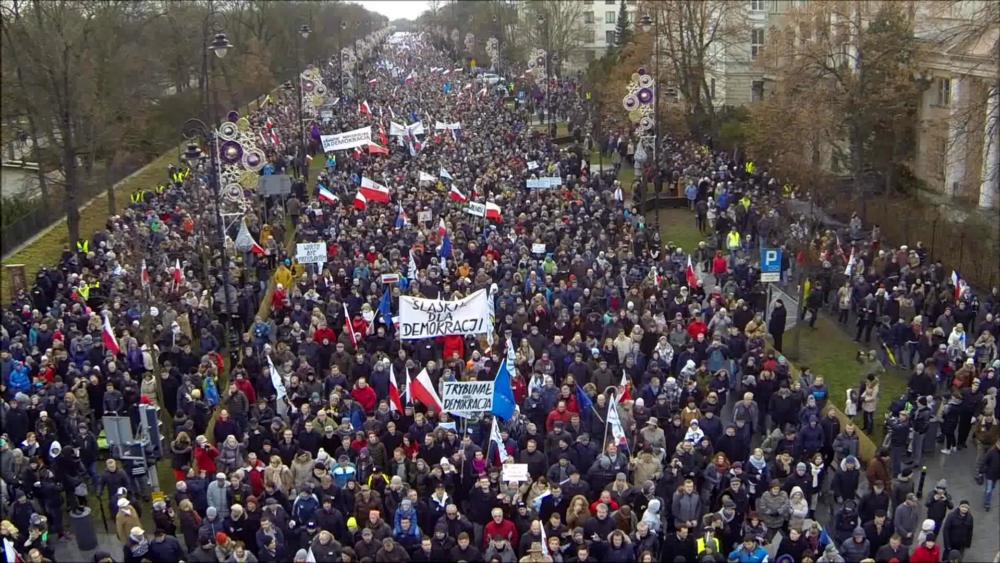 """""""Dobra zmiana""""- reż.Konrad Szołajski"""